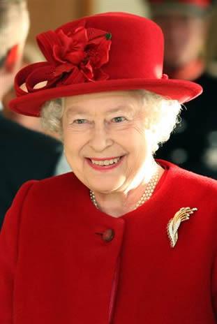 la reine d 39 angleterre newmarket noblesse royaut s. Black Bedroom Furniture Sets. Home Design Ideas