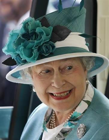 la reine d 39 angleterre et le duc d 39 edimbourg hamilton noblesse royaut s. Black Bedroom Furniture Sets. Home Design Ideas