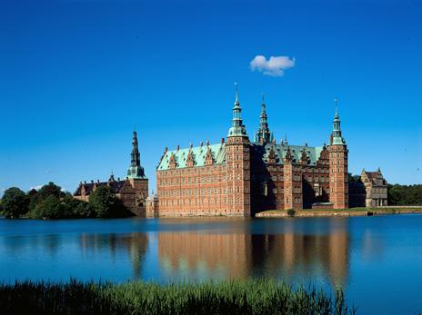 """Résultat de recherche d'images pour """"Le château de Frederiksborg"""""""