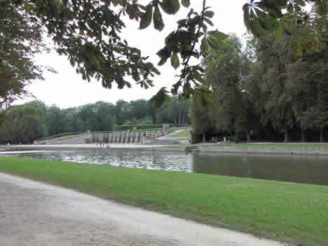 Vaux le vicomte ou l 39 ivresse des sommets noblesse royaut s for Boulingrin jardin