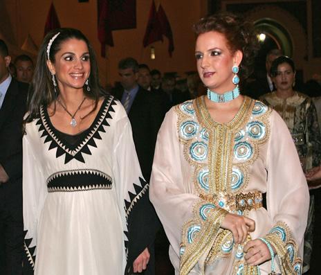 Plus fort que Chanel, Galliano et Gaultier, le caftan Marocain est adopté par le monde entier Caftan3