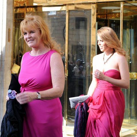 Sarah, Béatrice et Eugénie d\u0027York à un mariage près de Rome