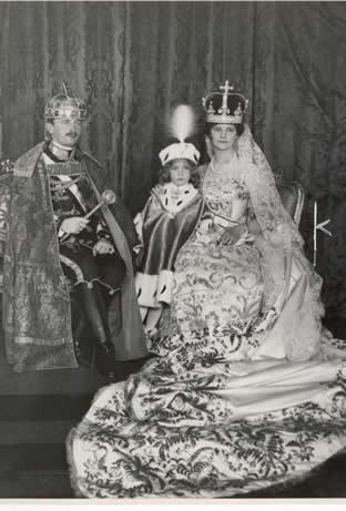 La sainte couronne de hongrie noblesse royaut s for Haute hongrie