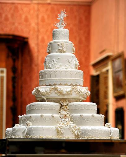 Un morceau du gâteau de mariage du duc et de la duchesse de Cambridge ...