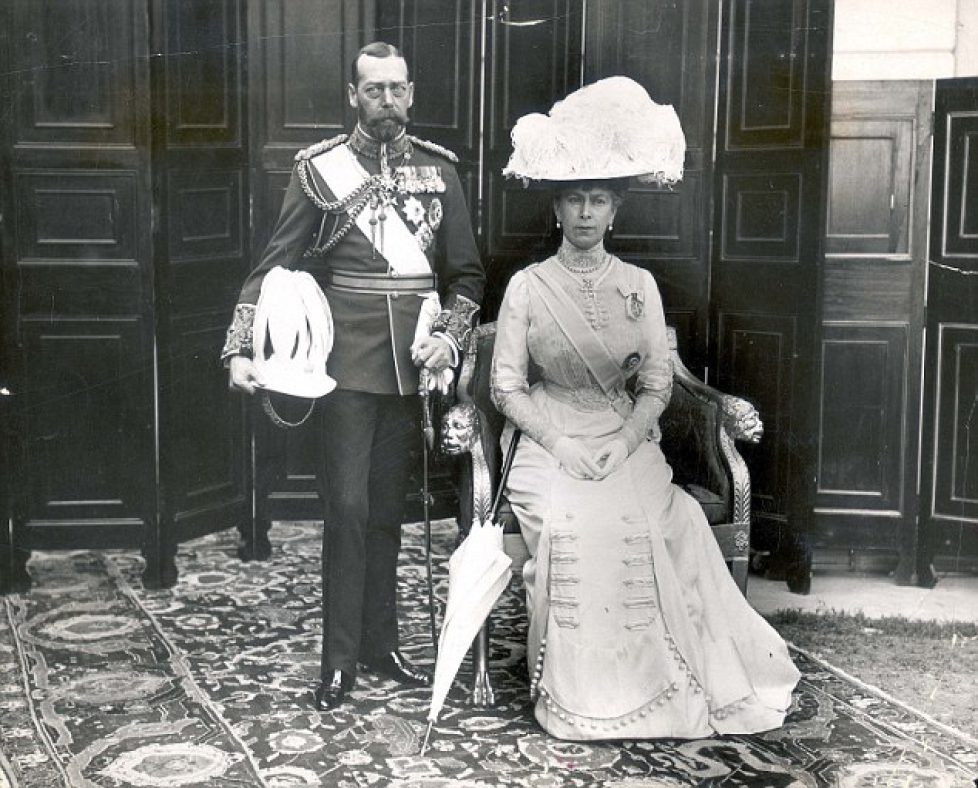PKT 991 - 66328KING GEORGE V7000King George V and Queen Mary.