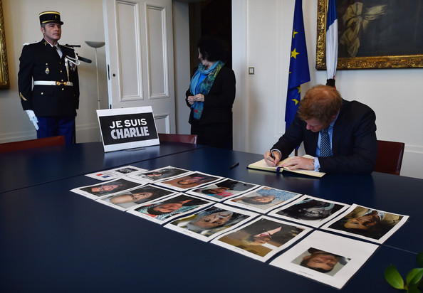 Prince+Harry+signs+book+condolence+French+KsqT6nIjUgnl