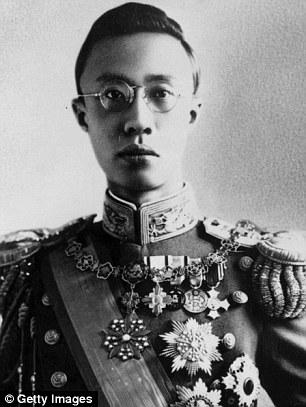 D 233 C 232 S Du Fr 232 Re Cadet Du Dernier Empereur De Chine