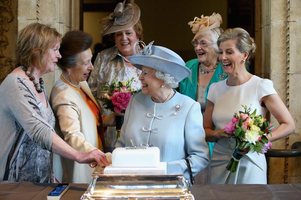 Queen+Elizabeth+II+Attends+Centenary+Annual+D1CIcN1aFeul