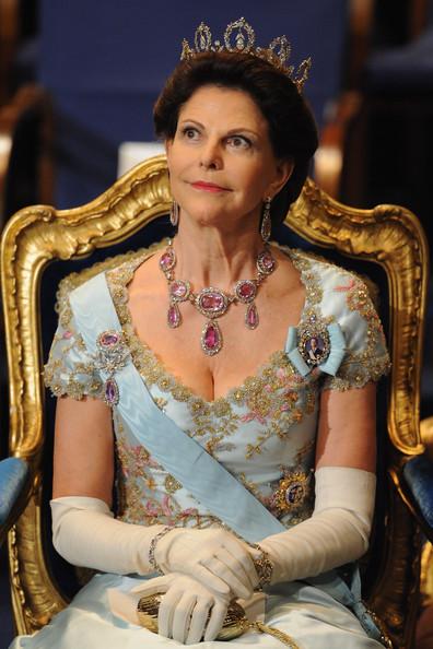 Queen+Silvia+Nobel+Prize+Award+Ceremony+2008+a-a1pvNVI4Gl