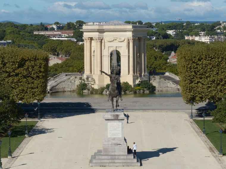 La place royale du peyrou montpellier noblesse royaut s - Residence les jardins de l aqueduc montpellier ...