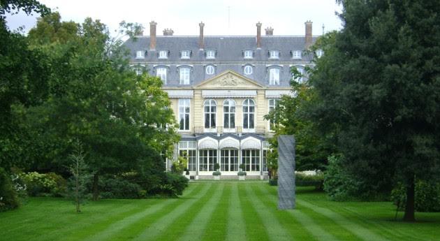 visite de l 39 ambassade de grande bretagne paris noblesse royaut s. Black Bedroom Furniture Sets. Home Design Ideas