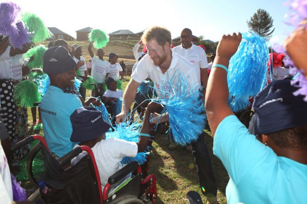 Prince+Harry+Visits+Africa+Day+1+vQT3avUeiTtl
