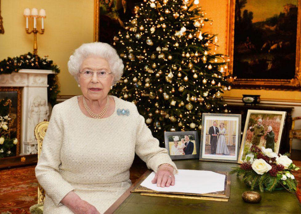 Queen+Elizabeth+II+Christmas+Broadcast+2015+z0hNX3-j8JYl