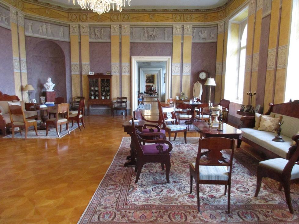 13 Grand Salon