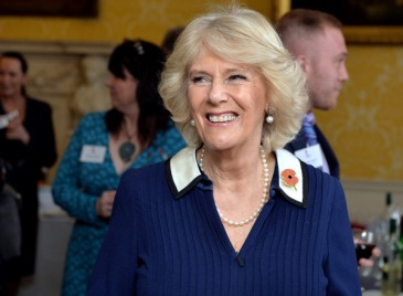 Camilla à la réception de la « Poppy factory »
