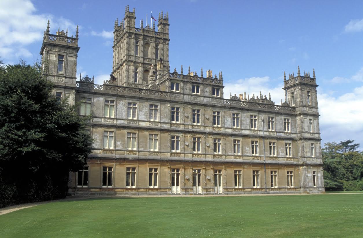Le comte et la comtesse carnarvon propri taire du ch teau de highclere nob - Chateau downton abbey ...