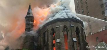 La cathédrale serbe orthodoxe de New York détruite par le feu