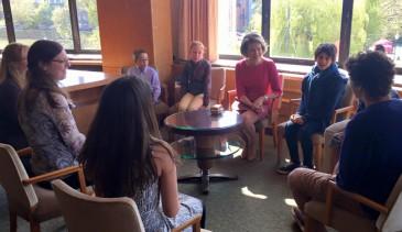 La reine Mathilde rencontre des jeunes d'académies de musique