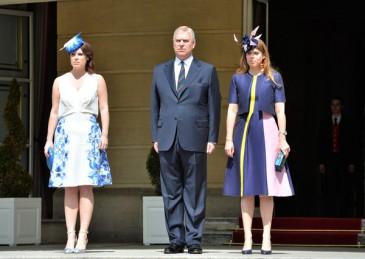 Garden party à Buckingham avec le duc d'York et ses filles