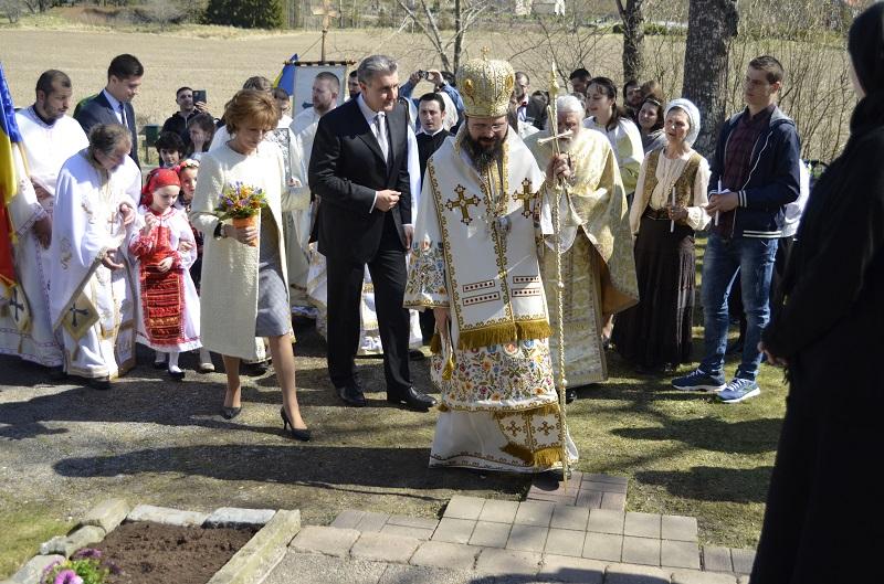 Principesa-Mostenitoare-si-Principele-Radu-a-doua-zi-de-Paste-Centrul-Episcopal-al-Europei-de-Nord-2mai2016-2