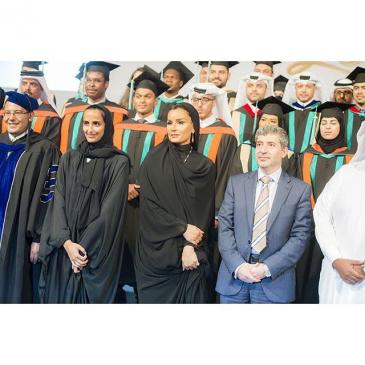 Remise de diplômes par les sheikhas Mozah et Hind