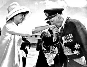 Archives : baise main royal à Copenhague