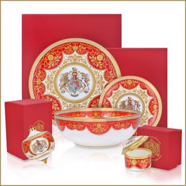 Nouvelle vaisselle en vente dans les palais britanniques