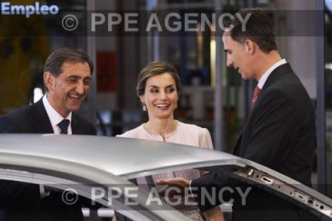 Les souverains espagnols à l'usine Volkswagen de Navarre
