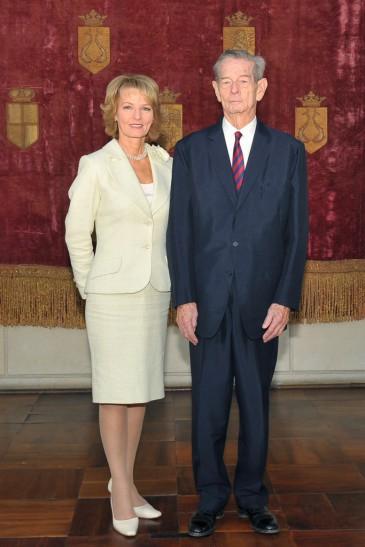 Regele-si-Principesa-Mostenitoare-Palatul-Elisabeta-2012-683x1024-365x547.jpg