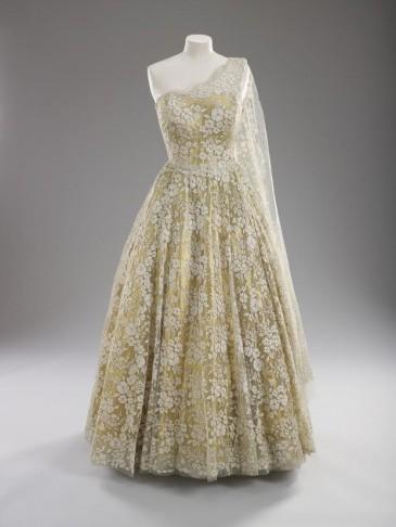 Exposition «Fashioning a reign» : robes du soir d'Elizabeth II
