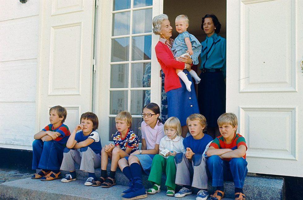 Archives : Ingrid de Danemark et ses petits-enfants en 1976
