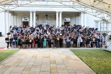 Fête de fin d'année scolaire au Palais blanc de Belgrade