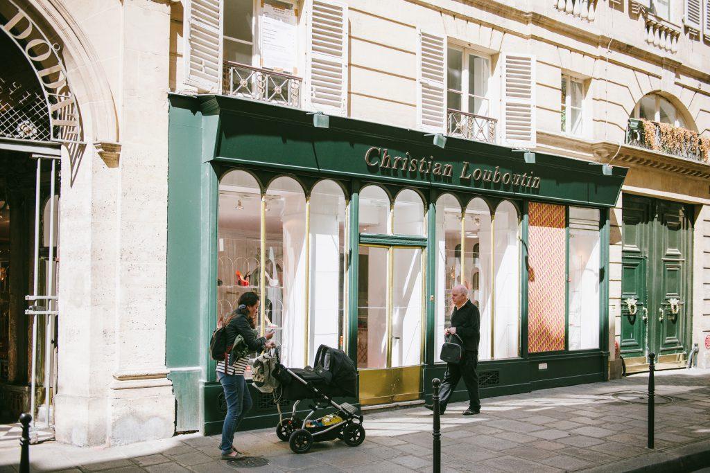 sélection premium bbc68 95088 Les chaussures Christian Louboutin – Noblesse & Royautés