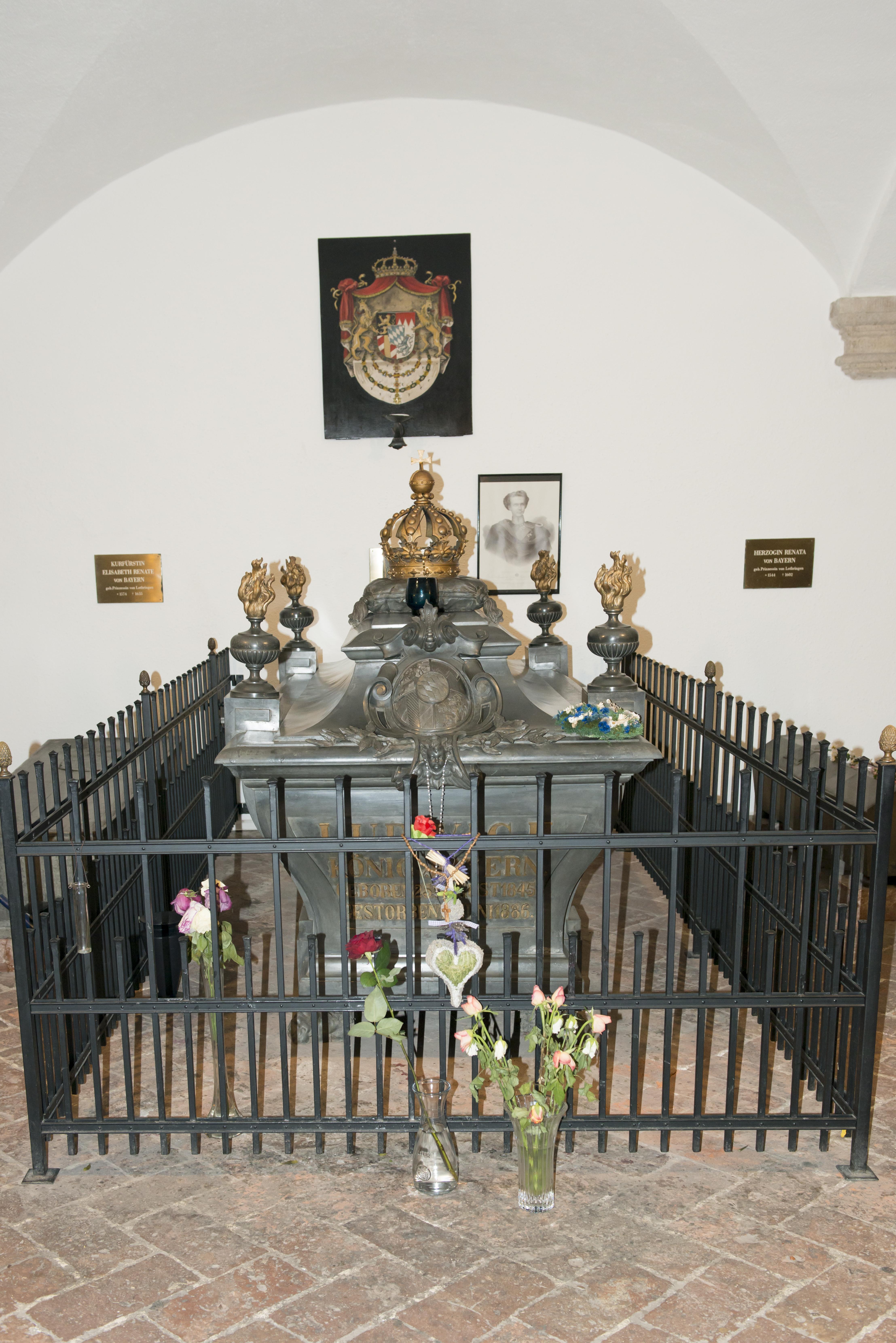 big sale 5ea18 00488 Le tombe de Louis II de Bavière
