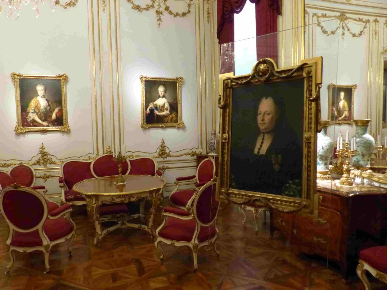 Le palais de sch nbrunn le versailles des habsbourg for Chambre louis xvi versailles