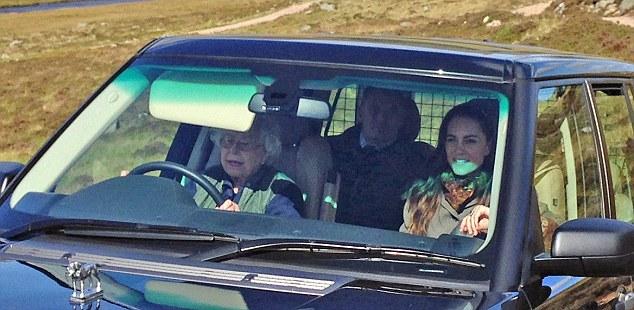 La reine Elizabeth au volant sur le domaine de Balmoral