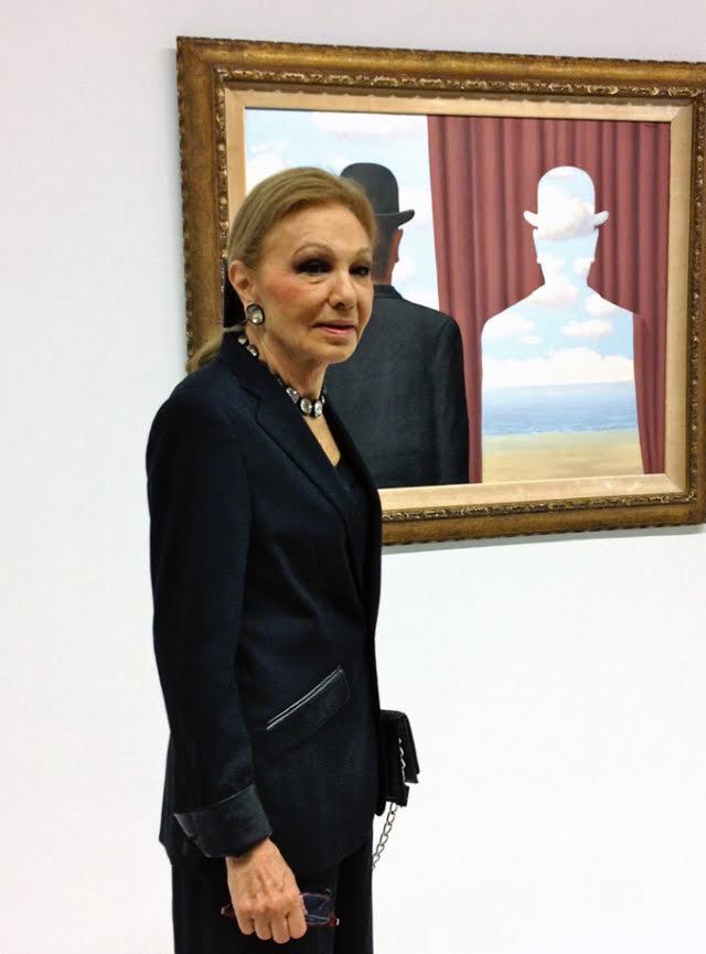 Farah d'Iran visite l'expo Magritte