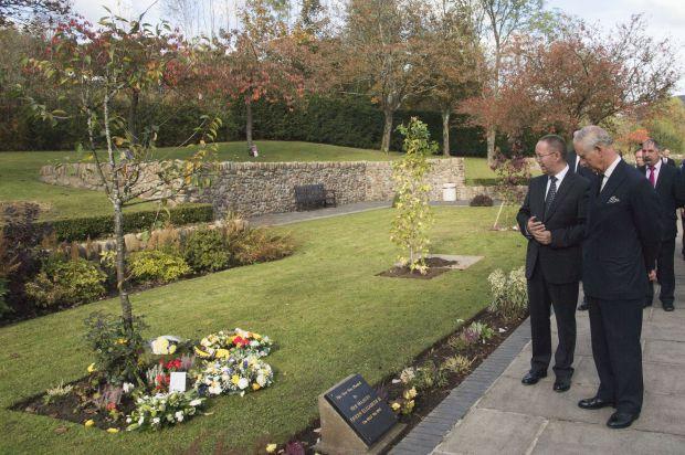 Le prince Charles commémore les 50 ans de la tragédie d'Aberfan