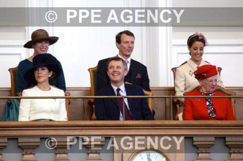 La famille royale danoise à l'ouverture du parlement