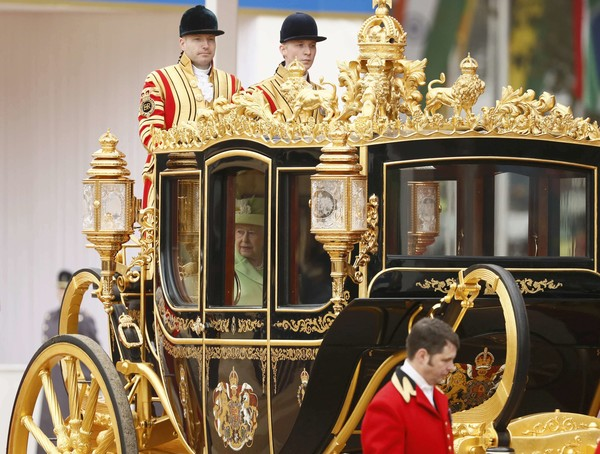 queendukeedinburghwelcomepresidentsantos0u00iy_fjukl