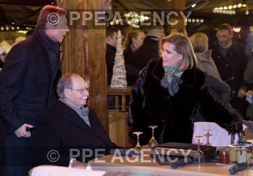 La famille grand-ducale au marché de Noël de Luxembourg