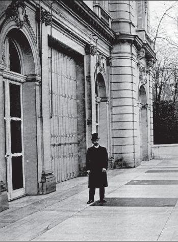 11-maurice-de-hirsch-sur-la-terrasse-de-son-hotel