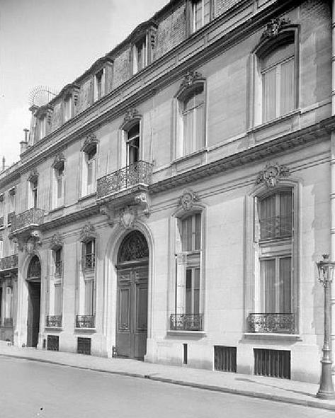 4-hotel-de-hirsch-2-rue-de-lelysee