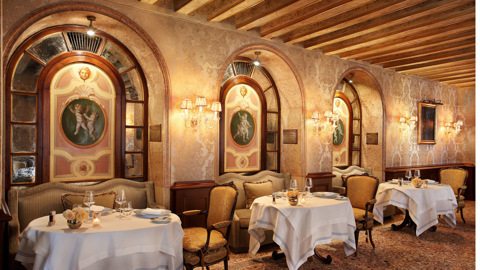 Club-del-Doge-Restaurant---inside-view---The-Gritti-Palace