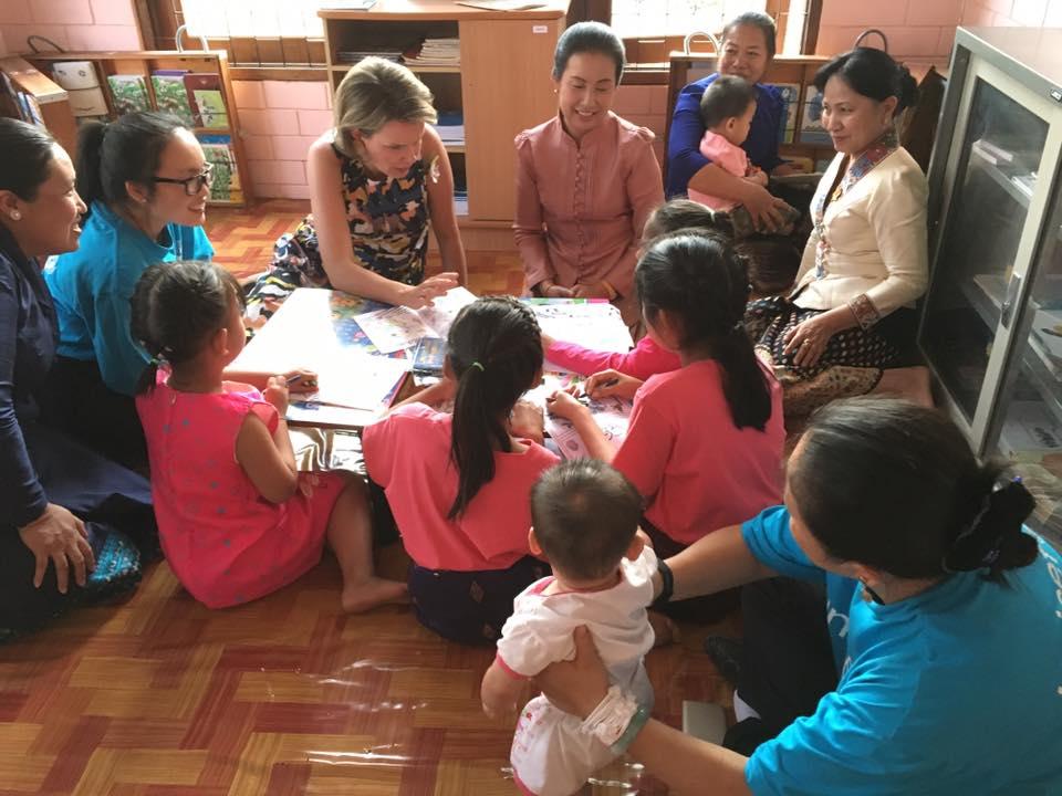 Fin de la visite de la reine Mathilde au Laos