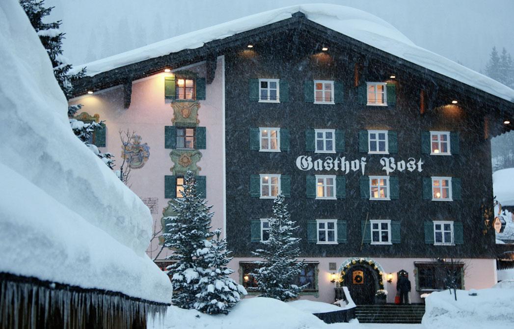 8_Gebaeudefront-Winter
