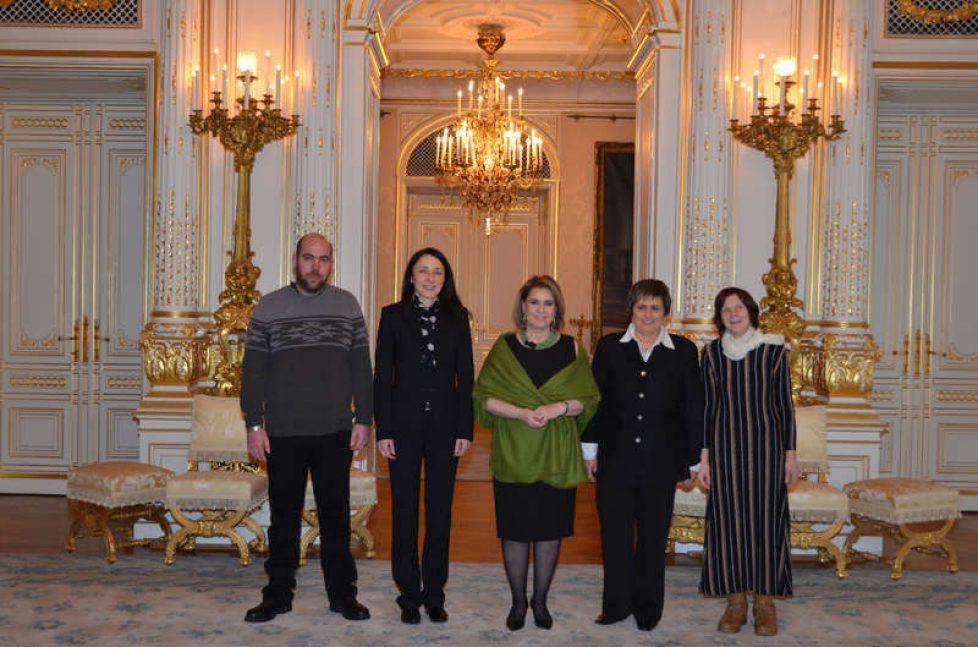 Maria Teresa de Luxembourg reçoit ATD Quart Monde