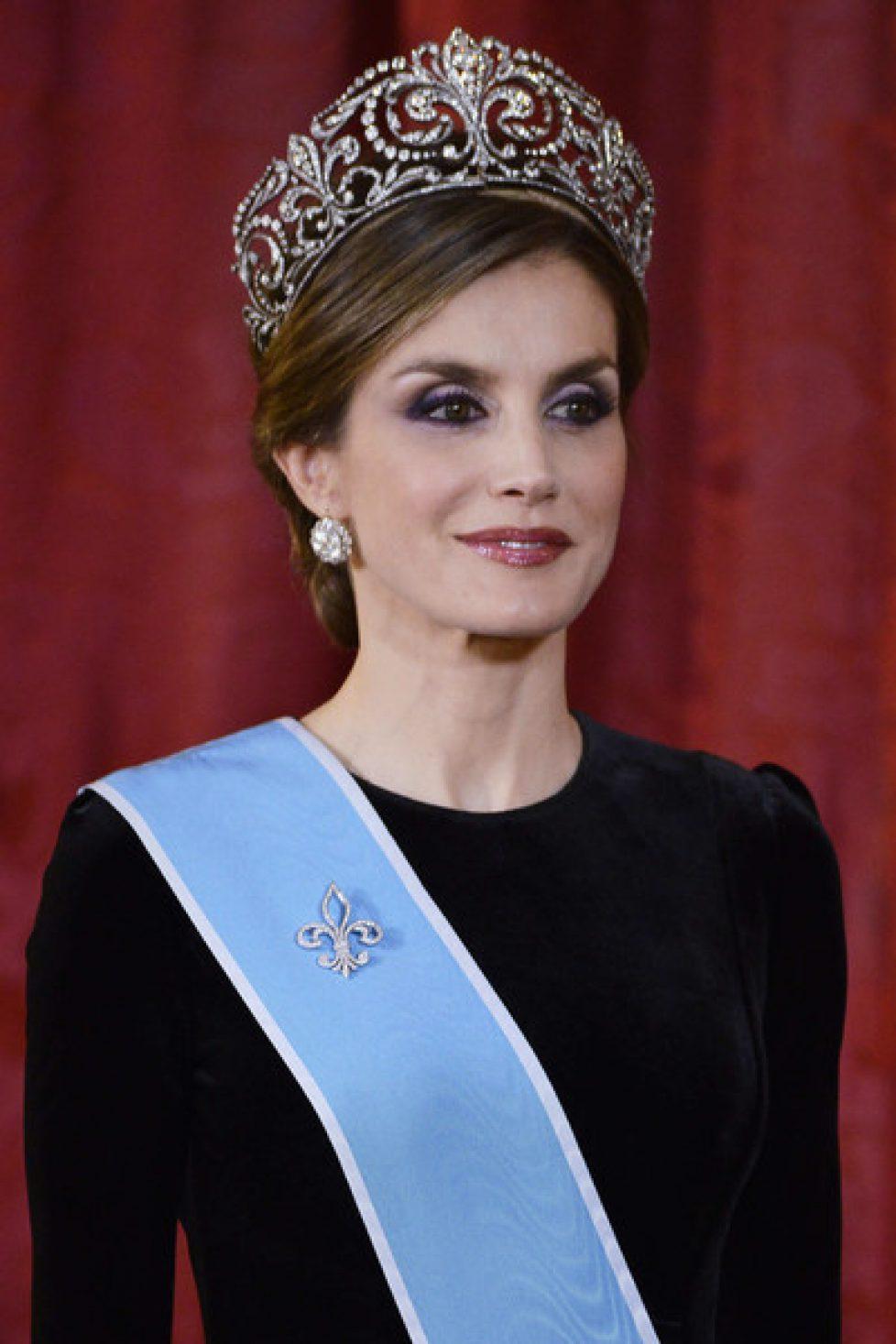 Letizia d'Espagne coiffée du diadème «fleur de Lys»