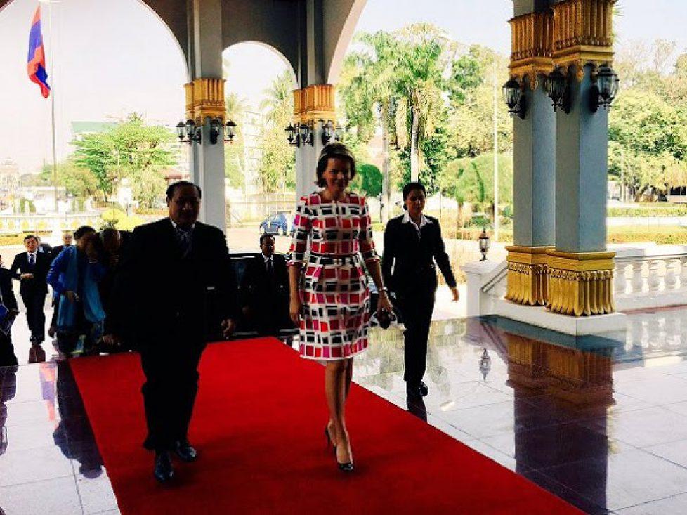 La reine des Belges au Laos