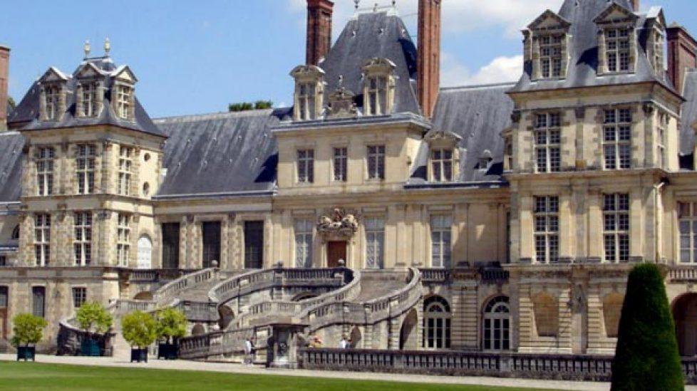 Restauration de l'escalier du château de Fontainebleau